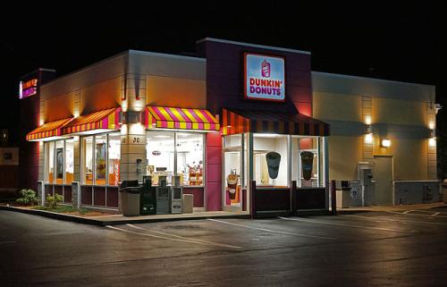 640px-Dunkin_Donuts_shop